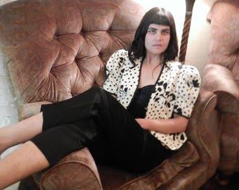 Jessica Howard Peplum Top | cream and black abstract art print puff shoulder short sleeve black jacket princess hem jacket 80s puffy blouse