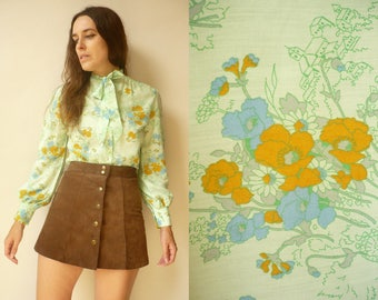 1970's Vintage Novelty Floral & Landscape Print Pussy Bow Shirt Blouse Size Small
