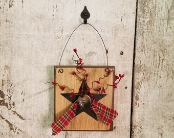 Primitive Country Star, Star with Pip Berries, Painted Star, Country Star, Primitive Decor, Country Decor, Rustic Decor, Wall Decor
