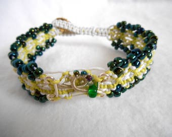 Shift Growth, modern macrame, macrame bracelet, spring jewelry, summer jewelry, modern macrame bracelet
