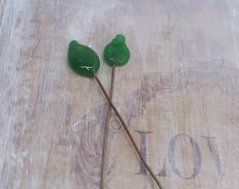 2 clous en verre de Murano filé à la flamme, feuilles vert , SAHP20