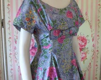 Prettiest Vintage 1950s Rose Print Princess Seam Dress with Bow Trim XS Extra Small 24 25 Waist