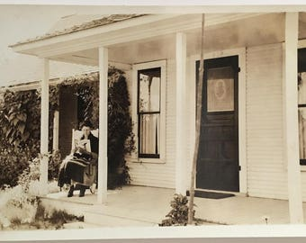 "Vintage Photo ""Morning Reader"" Snapshot Antique Black & White Photograph Paper Found Ephemera Vernacular Interior Design Mood - 101"