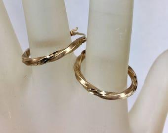 Vintage 14k Yellow Gold Hoop Earrings, .75 Inch Diameter, 1/16 Inch Wide, Twisted Genuine 14kt Gold Hoop Earrings (sh)