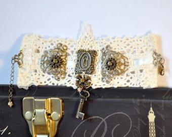 Steampunk Cuff, Steampunk Bracelet, Skeleton Key Bracelet, Lace Cuff, Lace Bracelet, Victorian Cuff, Victorian Bracelet