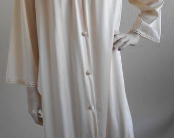Vintage Vanity Fair Nylon RobeBeige Size SmallHousecoat