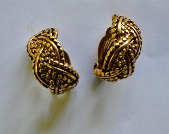 VINTAGE Erwin Pearl chunky braided gold earring