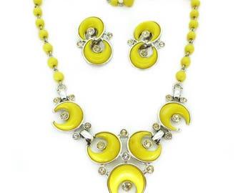 Vintage 1960s Kramer Yellow Lucite Necklace & Earrings Set