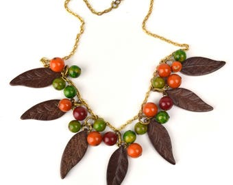Vintage Bakelite & Wood Necklace // 1930s, 40s Early Plastic Jewelry // Dangle Fringe Choker with Wooden Leaves Multi-Color Bakelite Berries