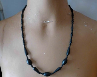 Beautiful French Vintage 1930's Black Necklace made of Buffalo Horn, Art Deco Style