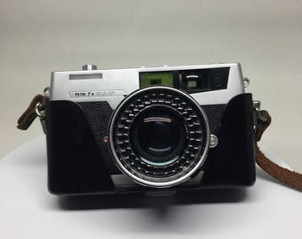 Vintage Petri 7 s Camera with Leather Case Japan 35mm