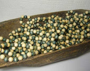 Vintage 1970's Wooden Natural and Green Beads. 8.5 Foot Strand. Christmas Tree Garland. Craft Beads. Christmas Decorations. Wreath Supplies.