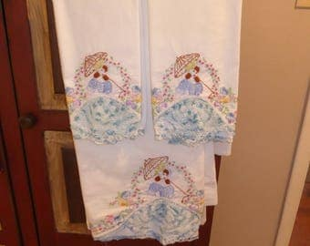 Vintage 3 pc Set Embroidered Crocheted So.Belle Flat Sheet w/ pr Of Pillow Cases Full Size