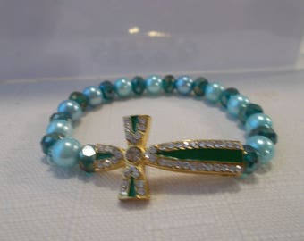 Blue Sea Shell Pearl and Blue/Green Crystal Beads Stretch Cross Bracelet