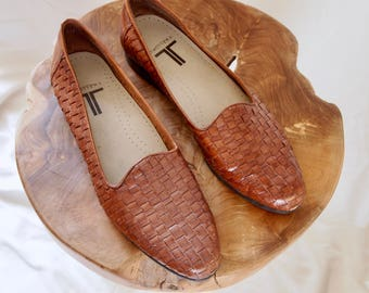 vintage size 8 WOVEN LEATHER loafers
