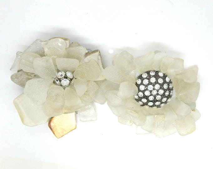 Statement  brooches with rhinestone, white, made with seaglass.
