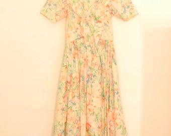 Floral Print Midi-Dress with Ruffles - 1980s