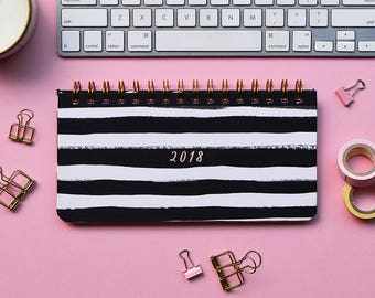 Weekly Planner 2018 | 53 weeks | Black and white stripes
