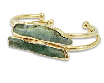 Crystal Bracelet, Gold Cuff Bracelet, Mom,Raw Kyanite Bracelet, Gift, Gold Kyanite Gemstones Bangle, Raw Crystal Cuff Bracelet, Sparkle.
