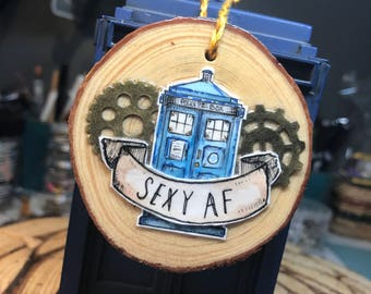 TARDIS Doctor Who Wooden Art Ornament