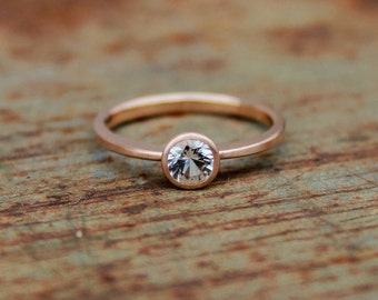 14k roségold ring with sapphire