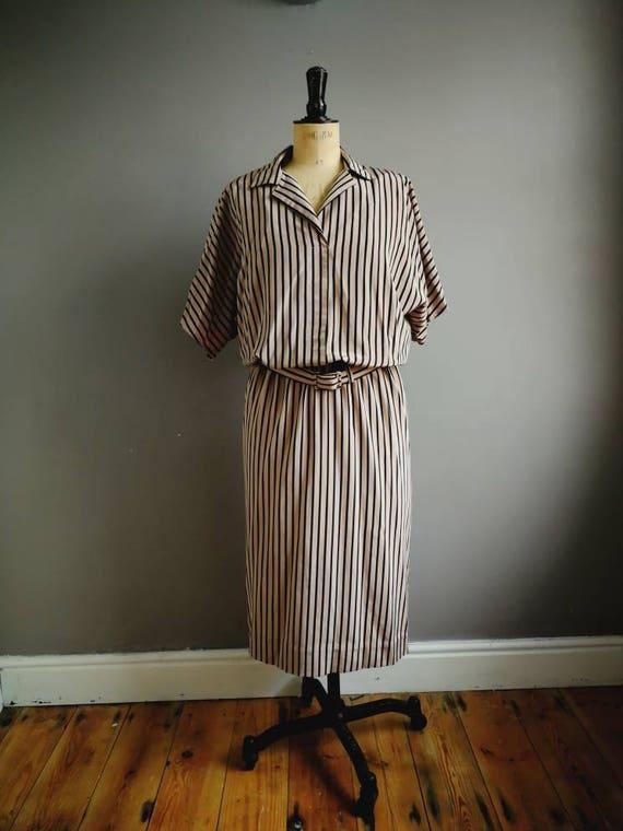 Beige black striped dress / 80s work dress / boho 80s dress / vintage day dress / batwing dress / minimalist / chic 80s midi dress / striped