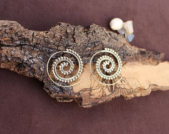Spiral Brass Earrings, Dotted Earrings, Tribal Gypsy Earrings, Ethnic Earrings, Psytrance Jewelry, Boucles d'oreille Laiton Spirale