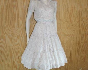 Vintage 1950's 60's Cotton Batiste Calico Floral Tiered Full Skirt Dress Medium