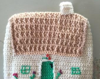 Vintage knit Tea cosy Cottage