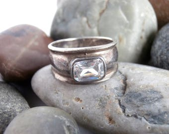 Crystal Ring - Vintage Jewellery - Sterling Silver - Wide Band Ring