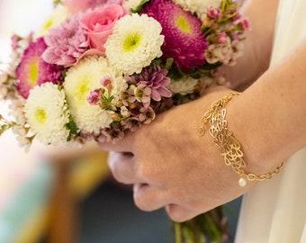 Pearl Gold Bracelet, Gold Bride Bracelet, Gold Bridal Bracelet, White Pearl Gold Bracelet, Gold Leaf Bracelet, Pearl Gold Wedding Bracelet.
