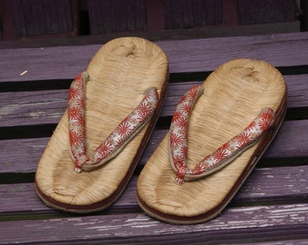 Vintage Mid Century Pair Of Chinese Shoes / Flip Flops