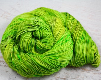 It-SNOT funny! - PREORDER- Sock Fingering Yarn 100 463yd 75/25 Superwash Merino Wool/Nylon - Limited Edition - Green, speckled black