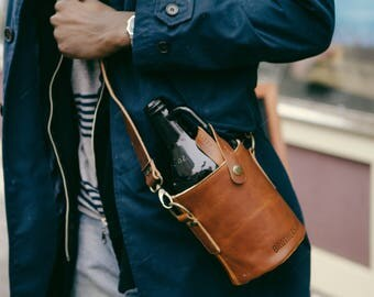 Leather Growler Bag // Leather Growler Carrier // Beer Accessories
