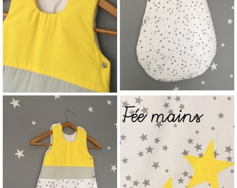 Sleeping bag 0-6 months in white cotton printed grey, yellow and gray star with stars