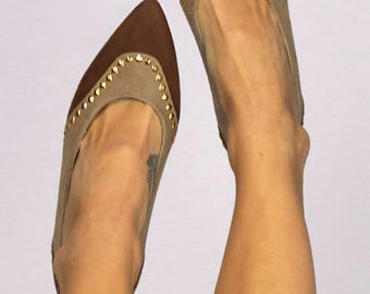 Vintage 80s Pointed Toe Brown Tan Two-Tone Suede Gold Studded High Heel Pumps Size 8