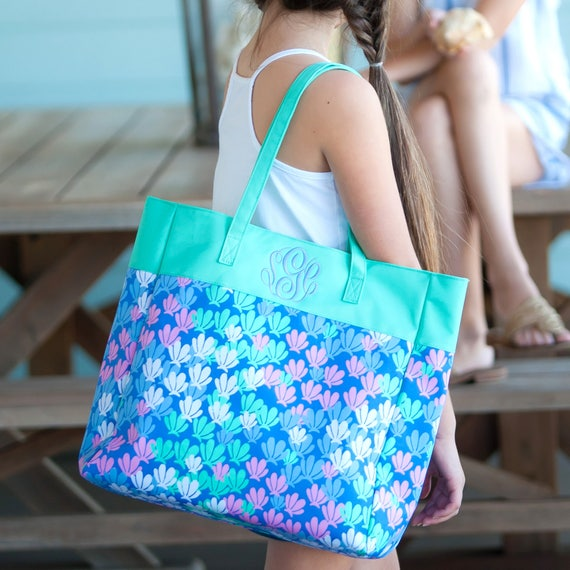 Monogrammed Bag Mint Tote Bag Shell Pattern Tote Mermaid Personalized Bag Embroidered Monogrammed Tote Bag Monogrammed Gifts Bridesmaid Gift