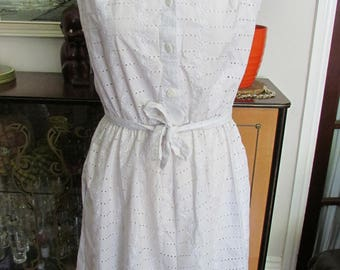 Vintage KRITSELIS white Broderie Anglaise summer dress, tie-shoulder detail, size 12
