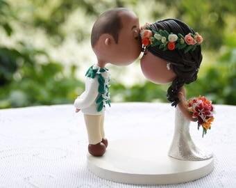 Cute couple kiss  - Groom with lei - Hawaiian Wedding. Wedding figurine. Handmade. Fully customizable. Unique keepsake