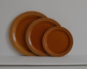 12 piece hornsey dinner set. 3 sized plates. Classic vintage Hornsea Saffron range from the 70's