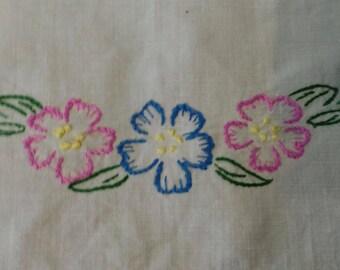 Hand Embroidered Floral Linen, Vintage Patterned Linen Napkin