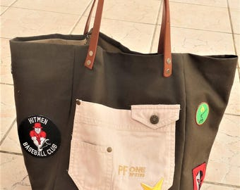 Designer tote bag adventurer army with badges patch star Khaki, Brown distressed leather handles