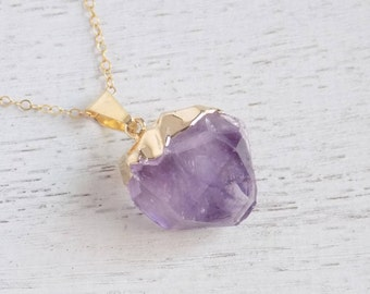 Crystal Necklace, Raw Amethyst Necklace, February Birthstone, Amethyst Pendant, Amethyst Crystal, Purple Necklace, Gold Layer Necklace 8-557