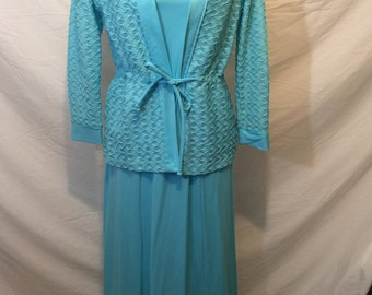 "Beautiful light blue full lenght ""Alltogether Fashions"" dress size 14 1/2  60's or 70's"