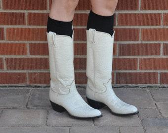 Vintage Tony Lama Western Boots // Vintage Western Boots // Vintage Cowboy Boots // White Leather // White Cowboy Boots // Size 6 Narrow