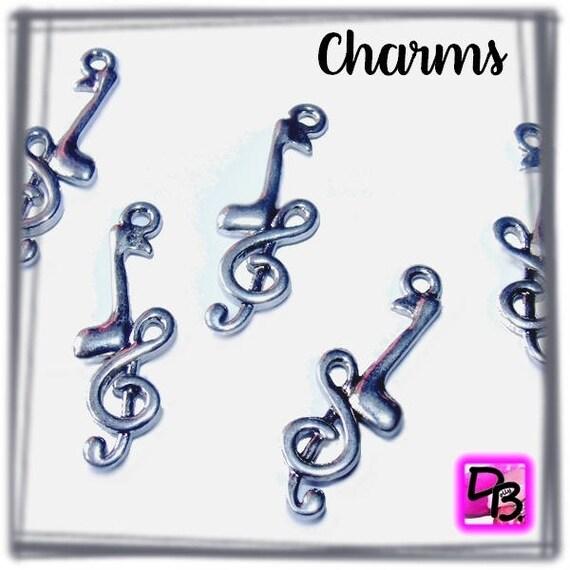 5 Breloques [notes de musique et croche] 32 mm