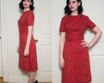 1960s Red Floral Cotton Sheath Dress   Size Small to Medium