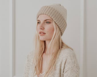 Textured Wool Knit Hat//Hand Knit Toque// Blend of Lambswool & Merino Wool// Lin colour