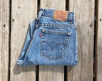 """Levi's 550 30"""" Medium Wash High Waist Red Tab Vintage Jeans"""