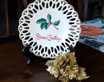 Vintage 1950's Lace Edged Season's Greetings Plate